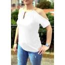 Άσπρη μπλούζα με ανοιχτούς ώμους